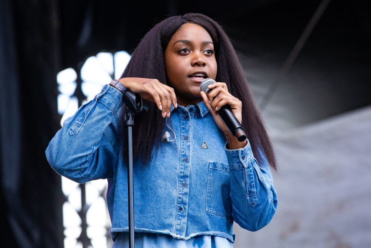 """Listen to Noname freestyle over Jay Electronica's """"Rough Love"""""""