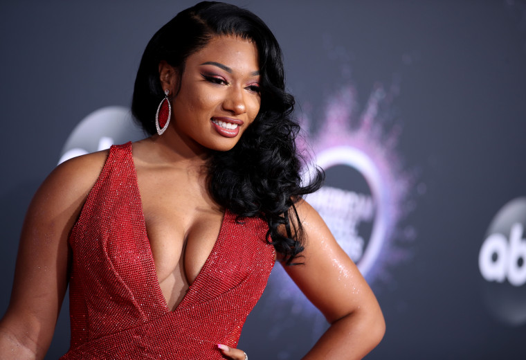 Megan Thee Stallion says Tory Lanez offered her money following shooting incident