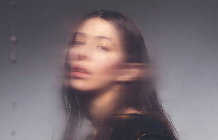 """Caroline Polachek reinvents a Corrs smash with her """"Breathless"""" cover"""