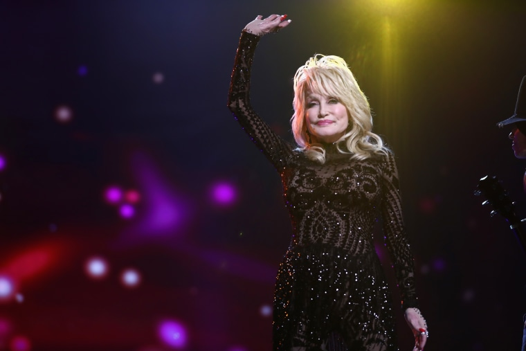 Dolly Parton doesn't want Tennessee to build a statue in her honor yet