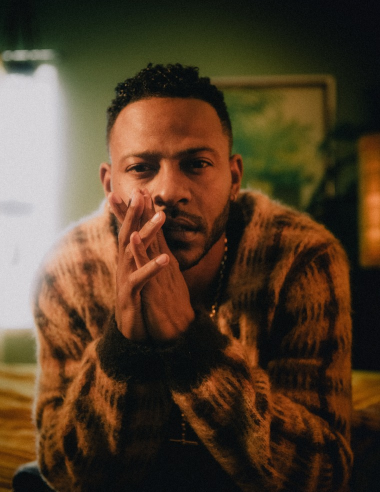 """Eric Bellinger lets his light """"Shine On The World"""" in his new visual"""